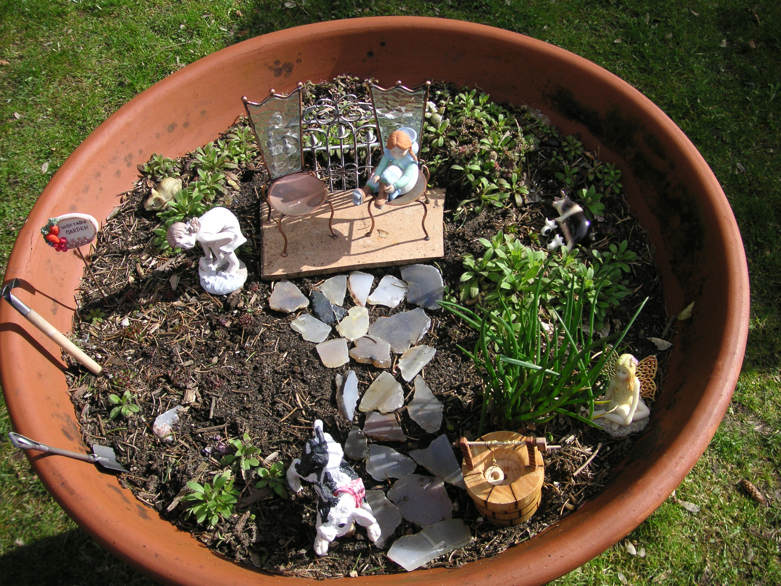 how to create a miniature garden with children that