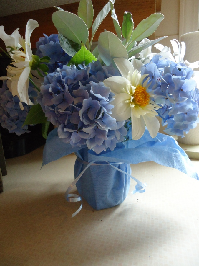 blue & white flowers for July wedding
