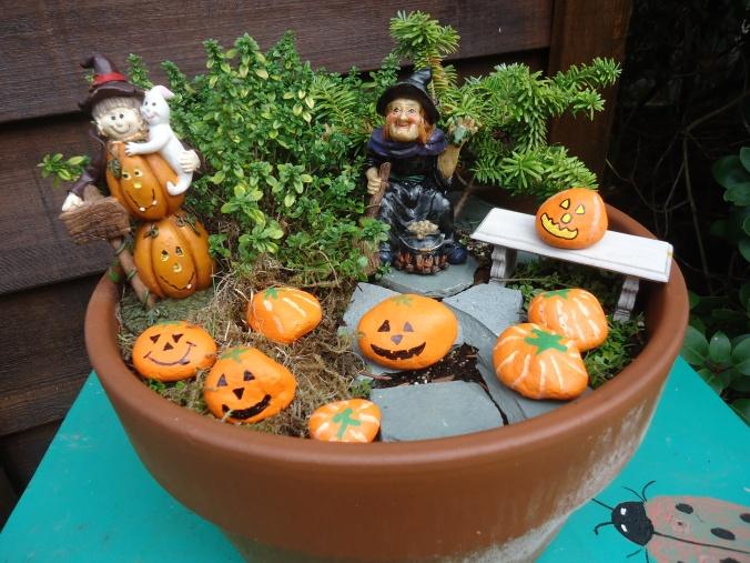 How to create a Halloween themed miniature garden